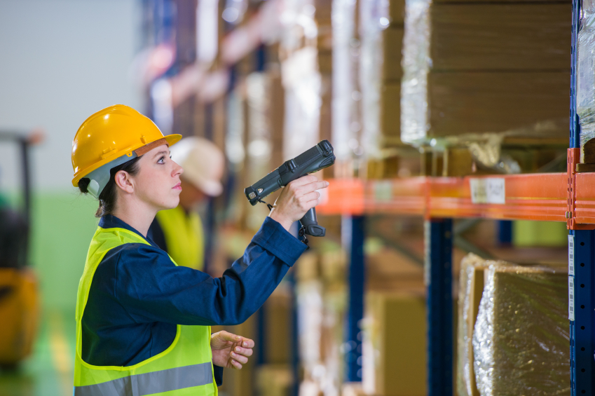 Technology trends to build smarter warehouse.